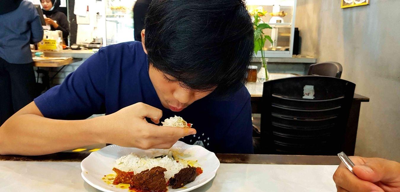 Betul Ke Kajian Kata Makan Sambal Pedas Boleh Kuruskan Badan?